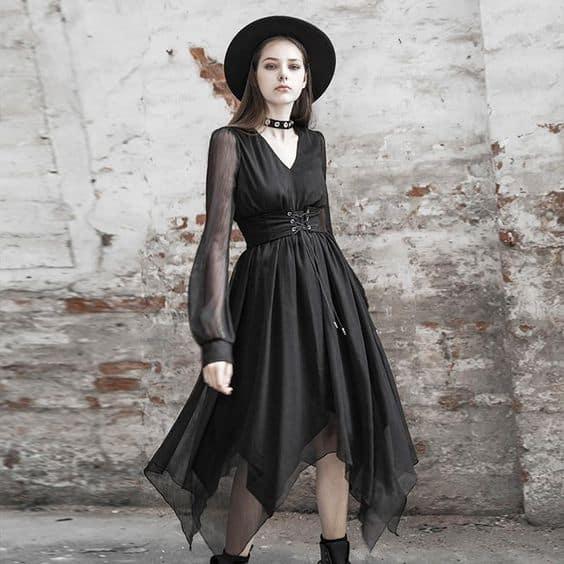 look gotico com vestido de manga longa