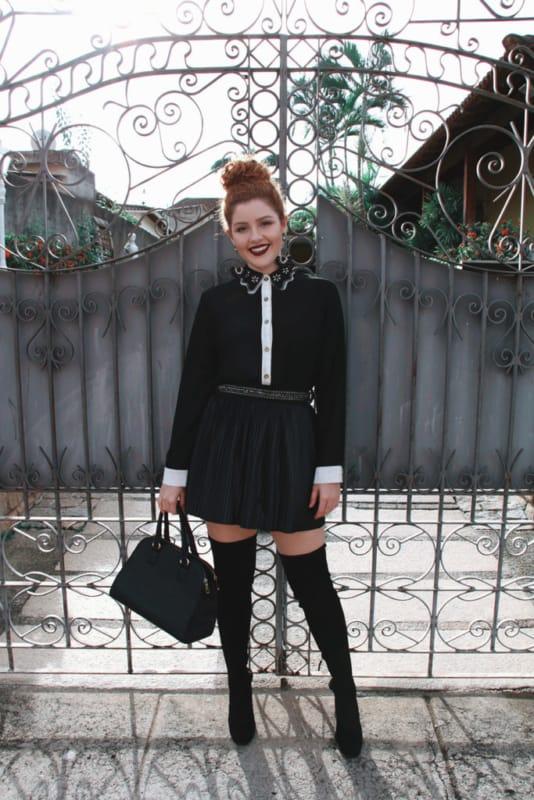 look gotico com saia e camisa preta