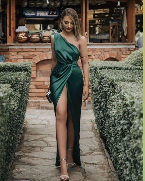 vestido de madrinha verde com fenda