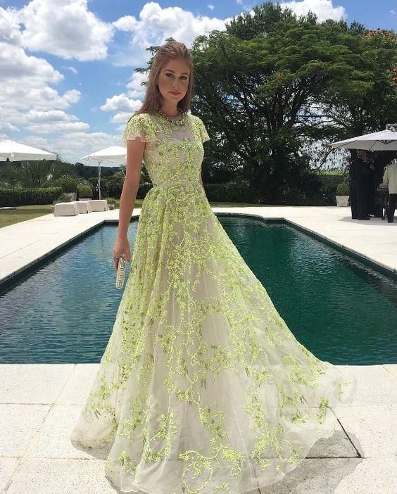 vestido longo para madrinha de casamento com manga curta