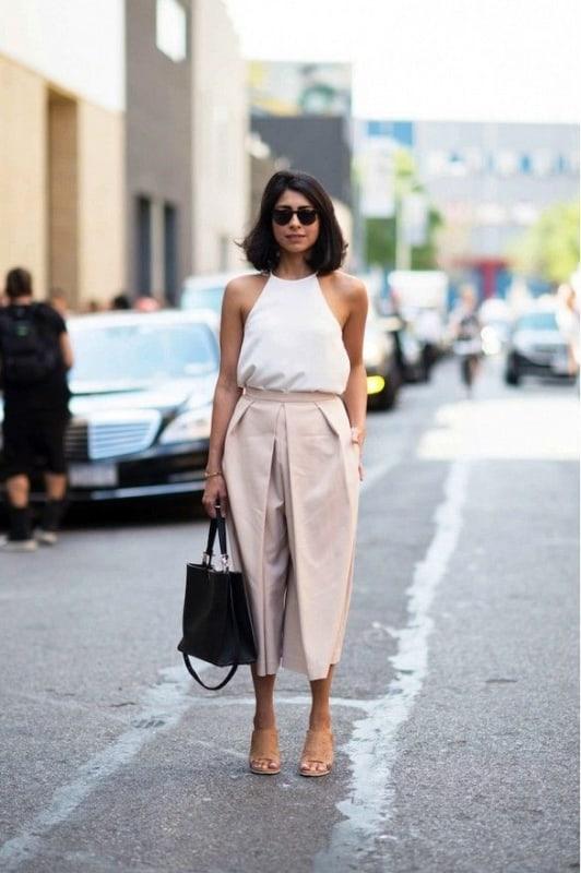 look social com blusa frente unica branca e calca pantacourt de alfaiataria