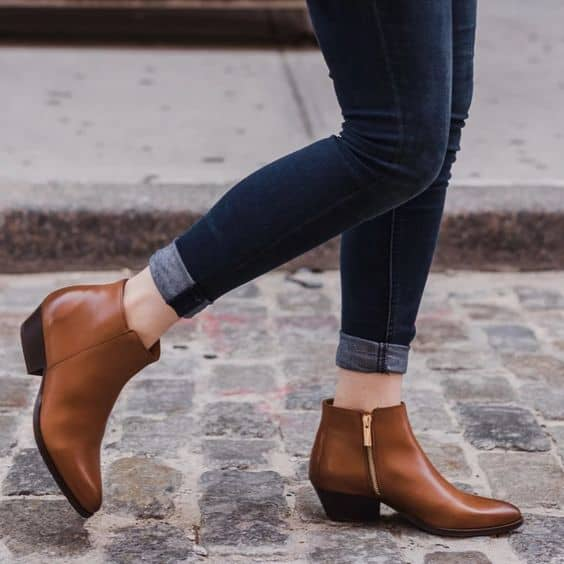 bota baixa de couro marrom