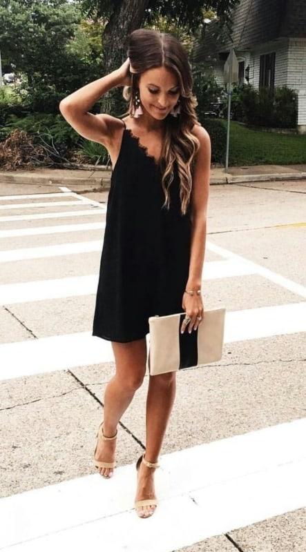 look de festa com vestido preto basico