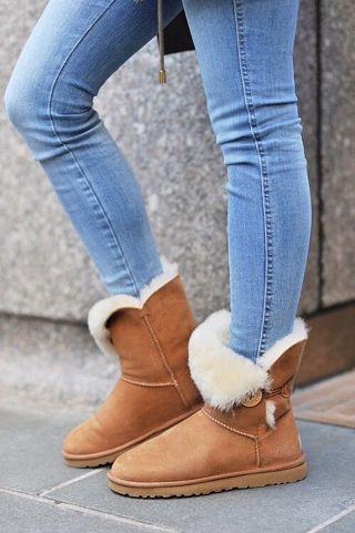 bota ugg com calca jeans