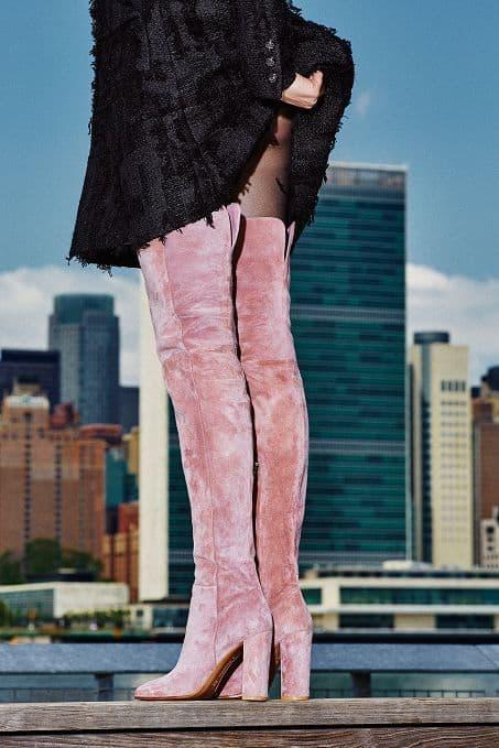bota over the knee de veludo rosa