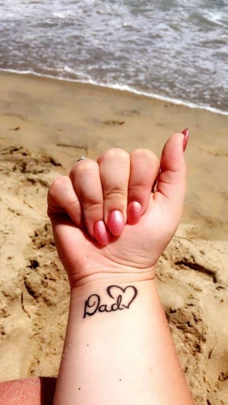 tatuagem em inlges no pulso para pai