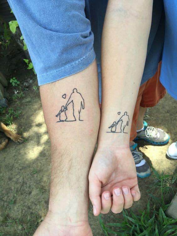 tatuagem compartilhada de pai e filha