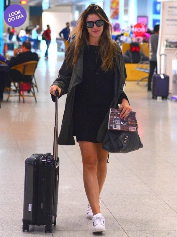 Look aeroporto com vestido