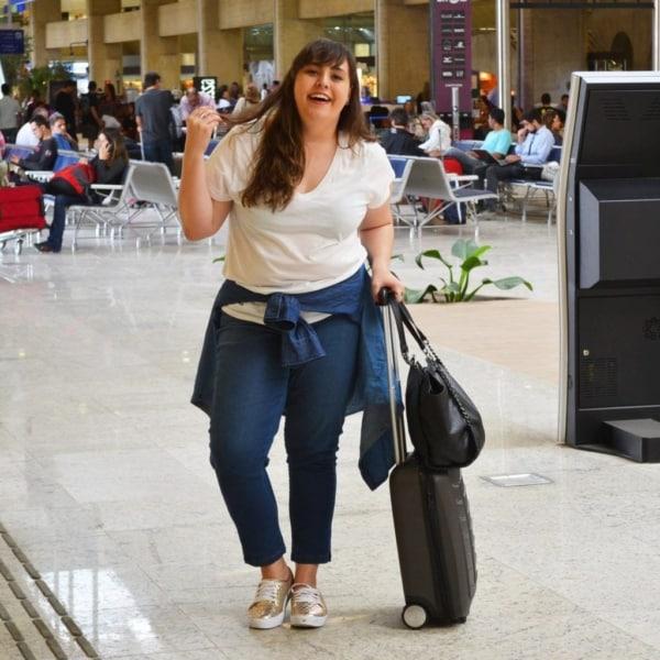 Look aeroporto plus size