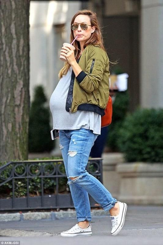 gestantes usando jeans