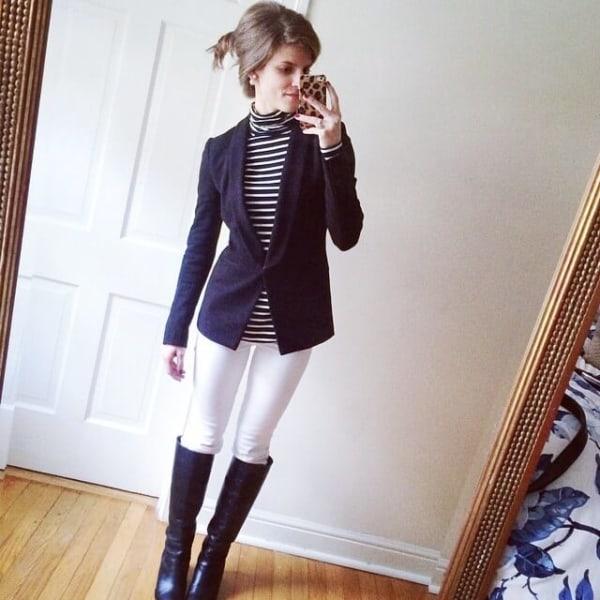 look com calca montaria branca e blazer azul marinho