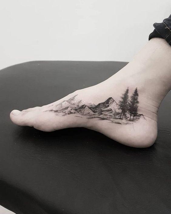tatuagem de natureza no pe