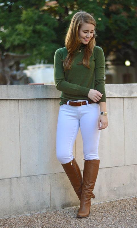 look com calca montaria branca e blusa verde