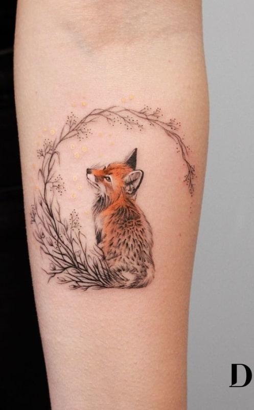 tatuagem colorida de raposa