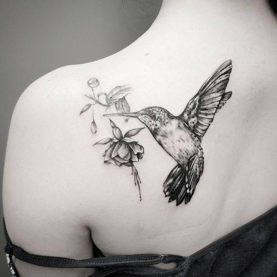 significado de tatuagem de beija flor