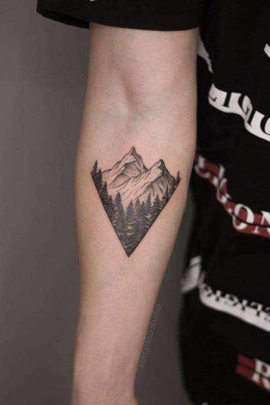 tatuagem pequena e moderna de natureza