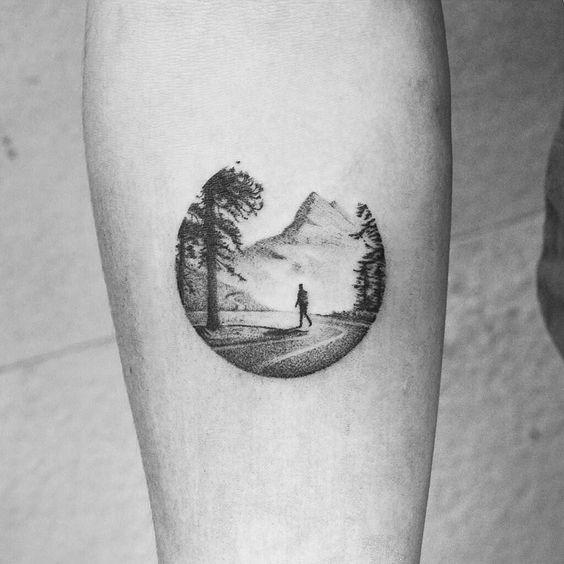 tatuagem redonda de natureza