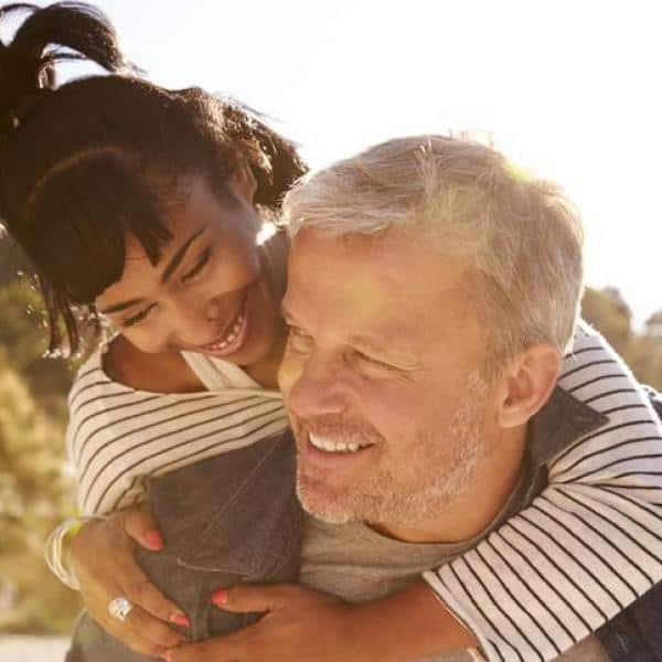 como se relacionar com homem mais velho