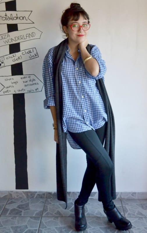 look com calca montaria preta e camisa xadrez