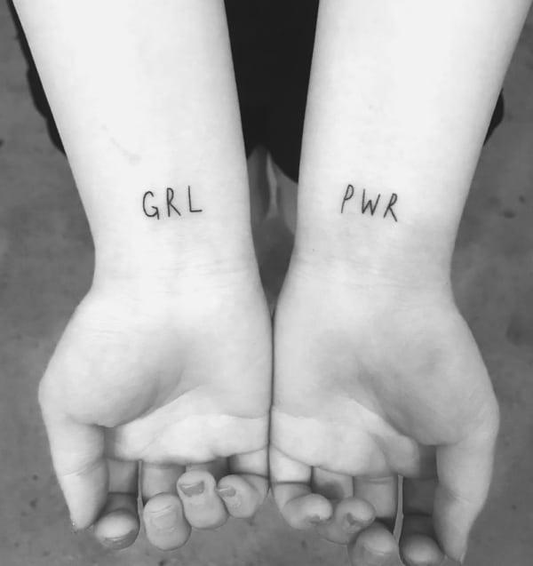 tatuagem delicada grl power