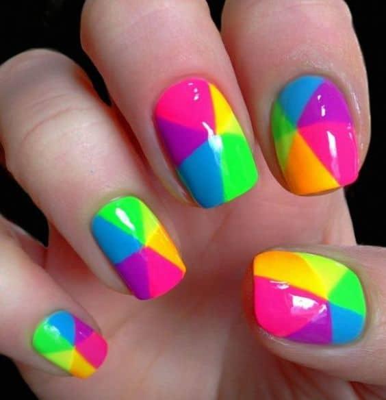 decoracao neon e colorida para unhas