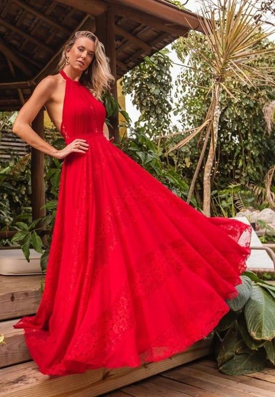 look com vestido de festa vermelho frente unica