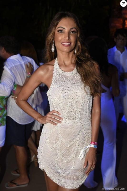 look com vestido branco frente unica para festa