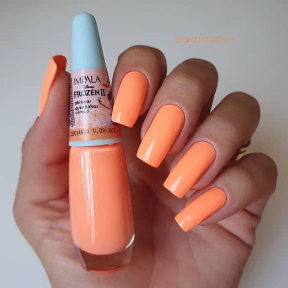esmalte da moda laranja neon Impala