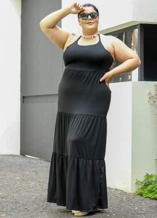 look plus size com vestido frente unica preto
