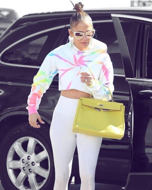 look com legging e moletom tie dye arco iris