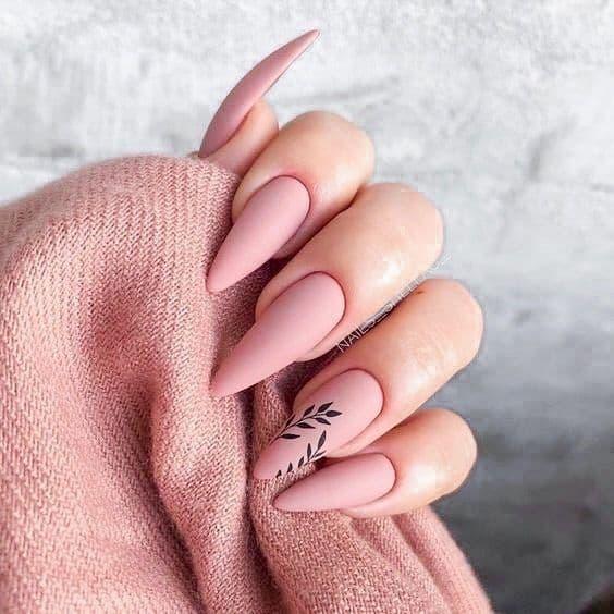 unhas decoradas com esmalte rosa fosco