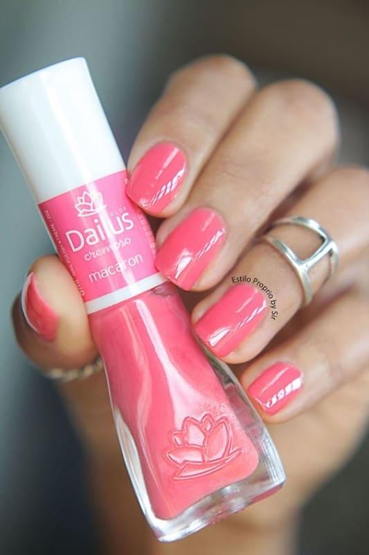 cor de esmalte rosa Dailus