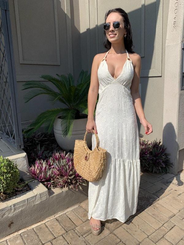 look com vestido frente unica branco com decote