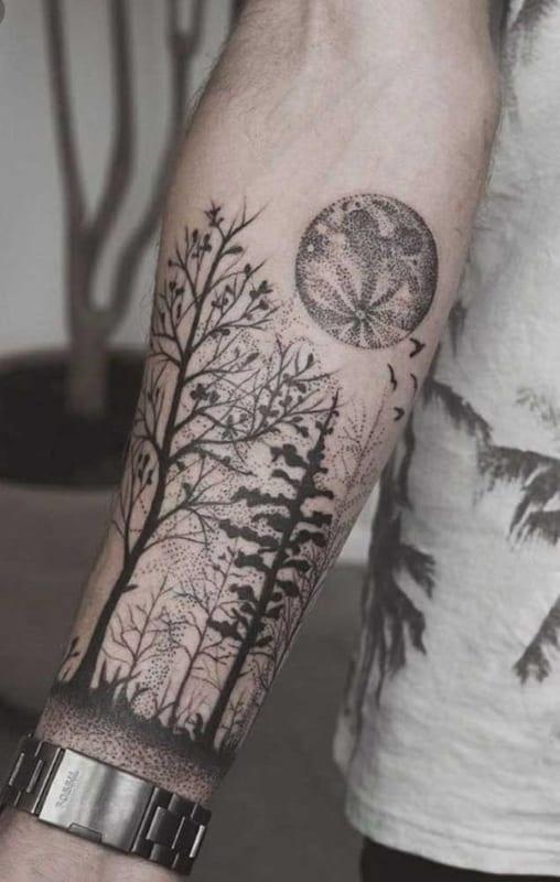 tatuagem moderna de floresta negra