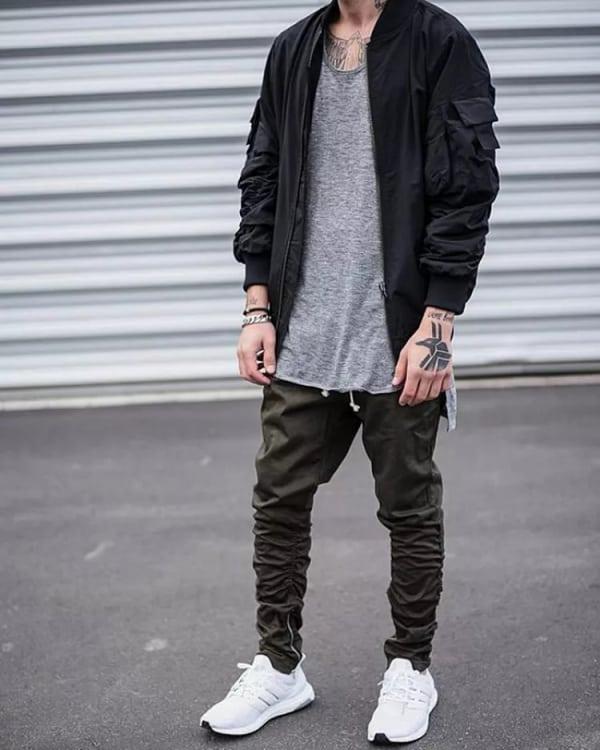 look casual masculino com corta vento preta