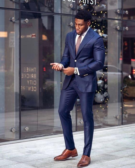 traje social masculino com terno azul