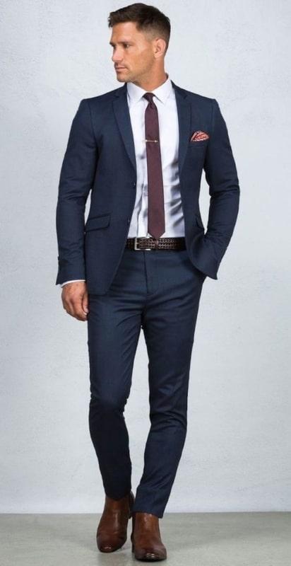 traje social masculino com terno escuro