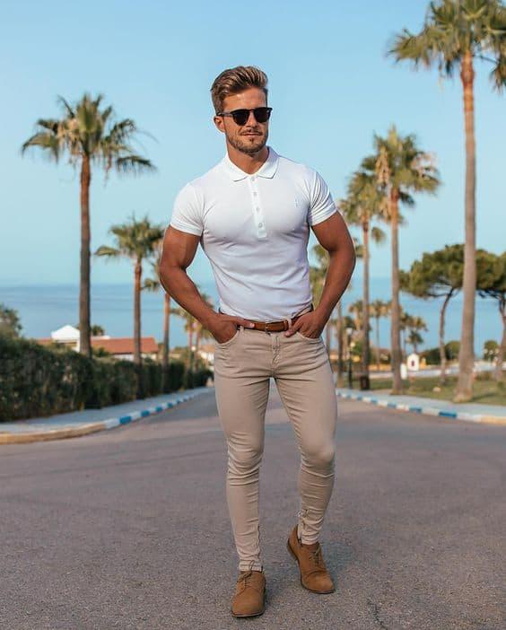 look esporte masculino com camisa polo branca