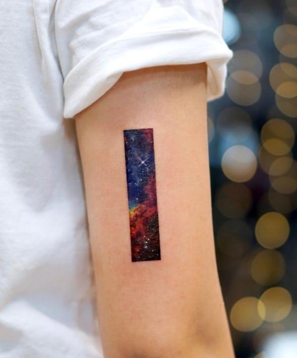 tatuagem Universo pequena