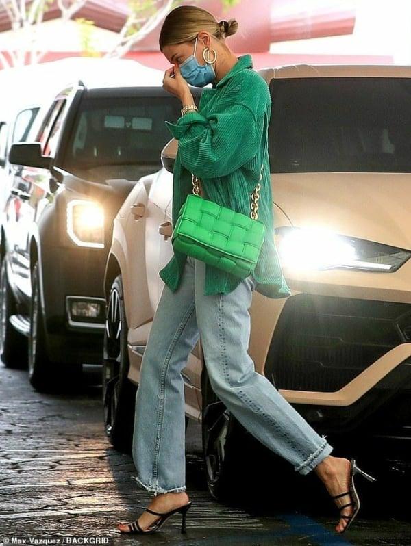 Looks verde esmeralda 65